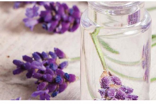 Які парфумерні аромати найкращі для весни?