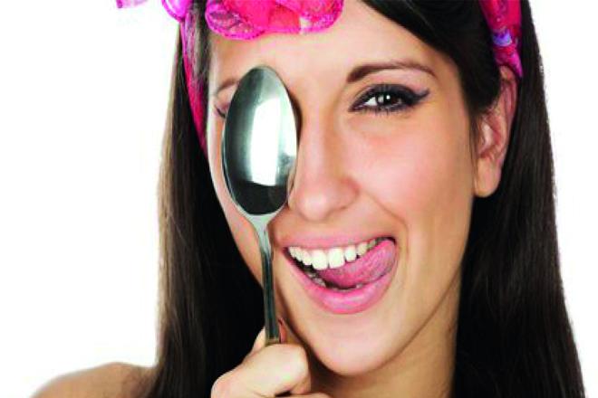 Масаж ложками: відмінний колір обличчя та відсутність зморшок