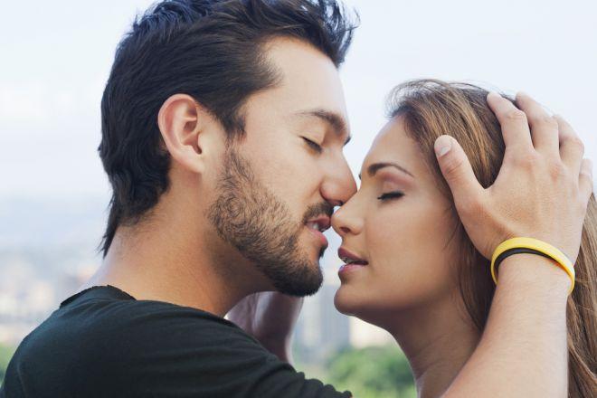 5 фактів про поцілунки, які змусять почервоніти