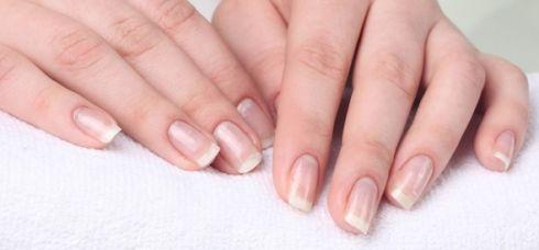 Чому шаруються нігті?