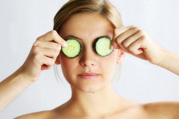Лікування темних кругів під очима у домашніх умовах