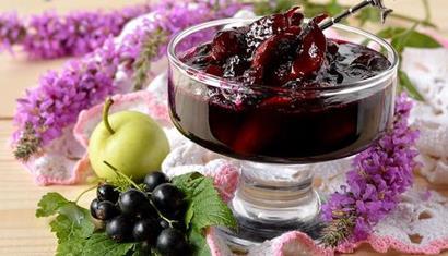 Вітаміни на зиму: варення зі смородини і груш