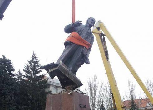 Пам'ятники Леніну виконують Harlem Shake [ВІДЕО]