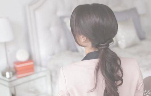 Ідея зачіски на кожен день: просто і романтично [ВІДЕО]