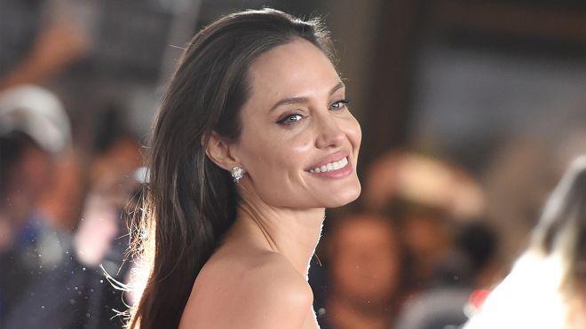 Майже не змінилася: Анджеліна Джолі вперше з'явилася на публіці після розлучення (ФОТО)