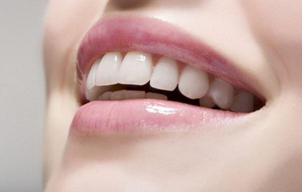 Суха шкіра губ: 5 порад, які допоможуть її вилікувати