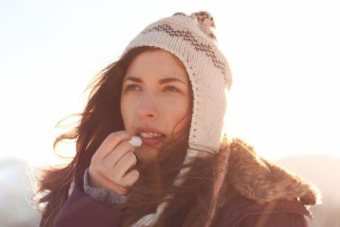 Як доглядати за губами взимку