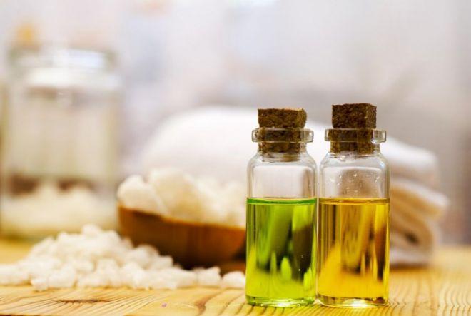 Вода, крем і олія: прості засоби для зволоження шкіра восени
