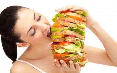 Обжорство: Почему я много ем?