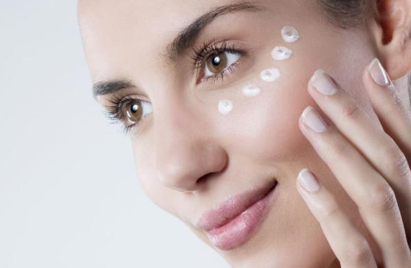 Косметологи назвали продукт, який попередить виникнення зморшок