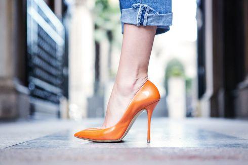 Як розтягнути взуття в домашніх умовах