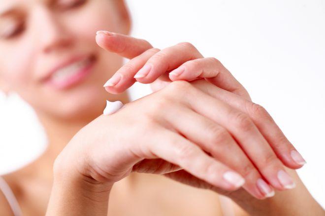Як вберегти руки в холодну пору?