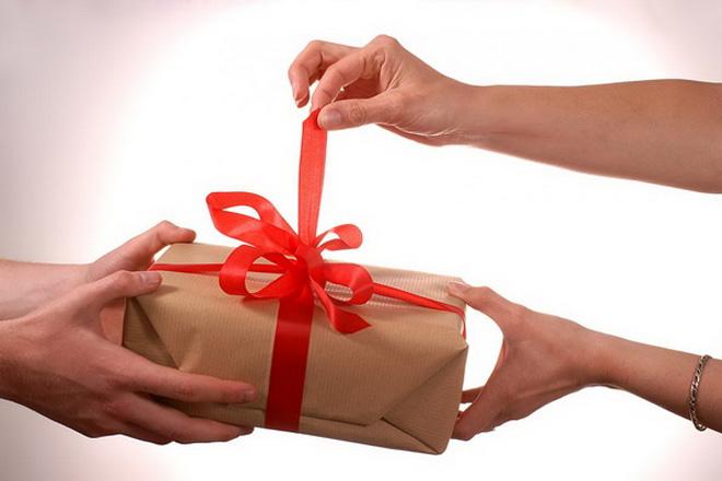 Золотые правила выбора подарка на 8 марта