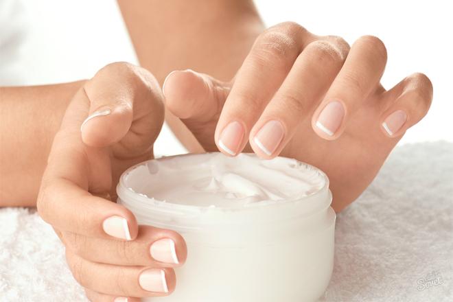 Як пом'якшити шкіру рук та кутикулу?