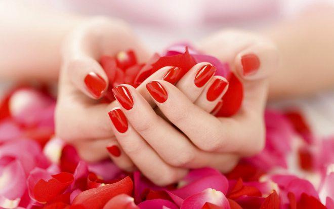 П'ять домашніх рецептів для здорових нігтів
