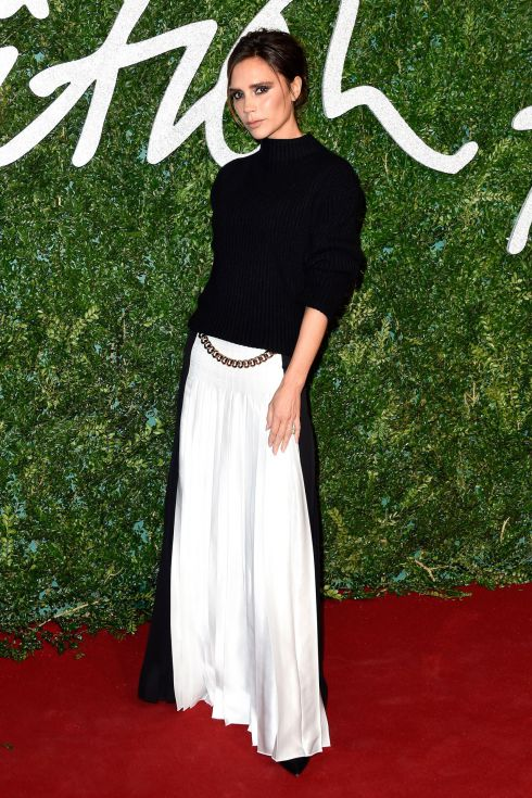 32-victoria-beckham-british-fashion-awards-vogue-1dec14-getty_b.jpg (102.8 Kb)