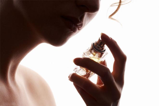 5 жіночих ароматів для спокуси