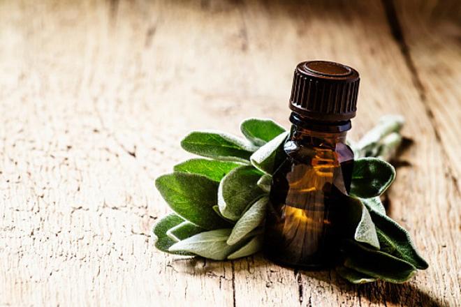 5 трав для догляду за проблемною шкірою