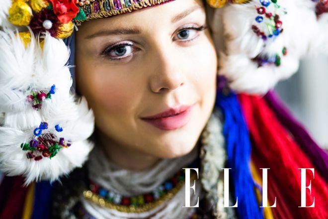 Тіна Кароль приміряла українське весільне вбрання (ФОТО)