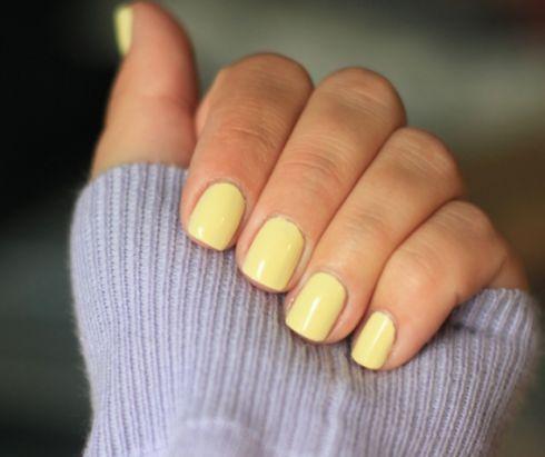 Пастельные ногти с показов
