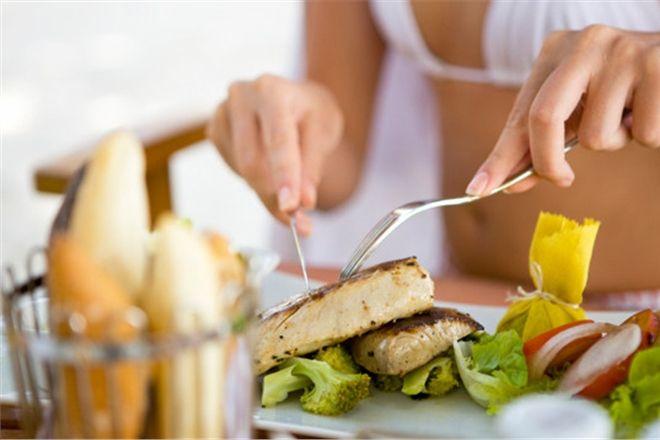 Суха шкіра? ТОП-8 продуктів, які тобі потрібно їсти