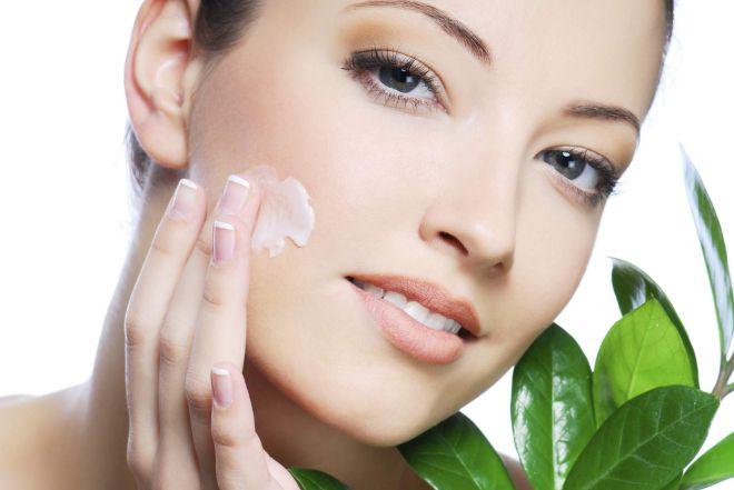 Жирная кожа: уход, подбор косметических средств