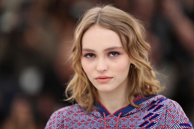 Лілі-Роуз Депп знялася в рекламі оновленого парфуму Chanel N 5 (ВІДЕО)