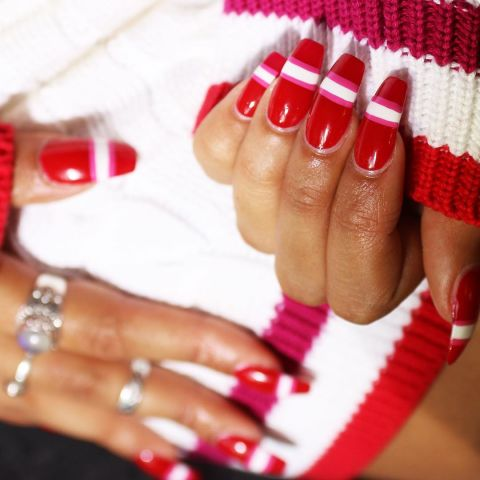 28_1479981772-elle-red-nails-wah.jpg (31.14 Kb)