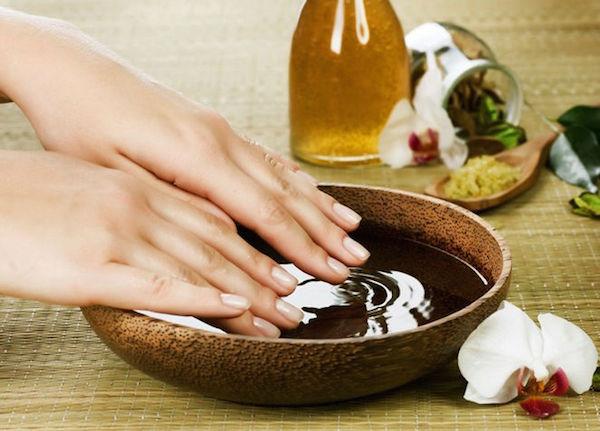 По-домашньому: як самостійно доглядати за нігтями