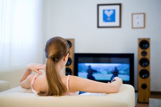 Вчені вияснили як телевізор впливає на жіночий організм