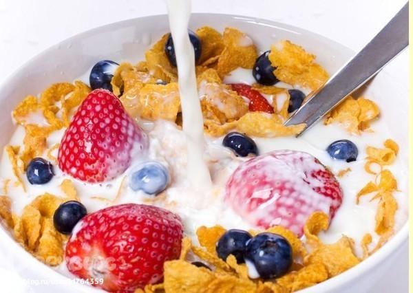 10 продуктів, які не бажано їсти на сніданок