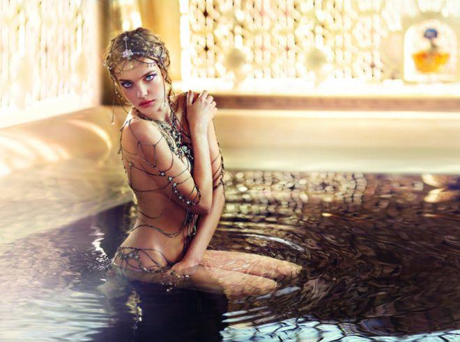 Східні мотиви: Наталія Водянова випустила нову колекцію  косметики (ФОТО)