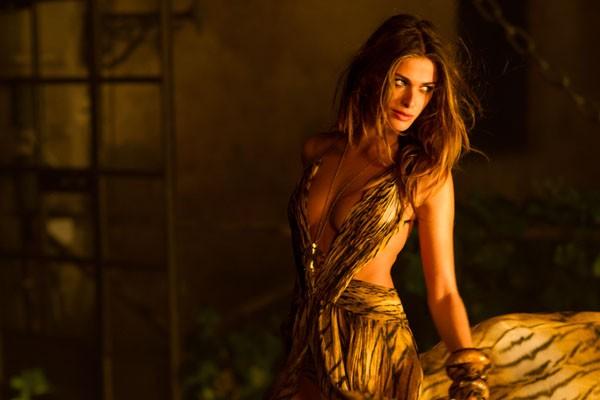 ТОП 5 сексуальних зіркових виходів у платтях Roberto Cavalli