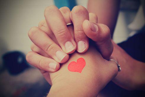 8 ознак того, що він ставиться серйозно до ваших стосунків