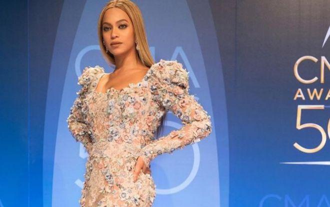 Бейонсе вразила прихильників розкішною сукнею від Zuhair Murad