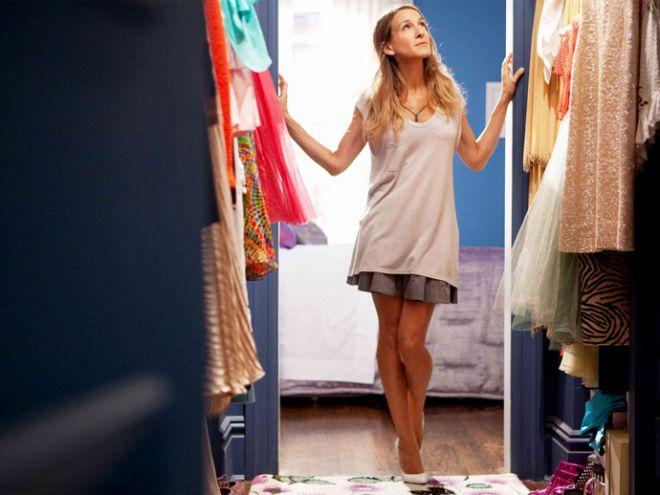 ТОП-5 платьев, которые должны быть в гардеробе каждой девушки