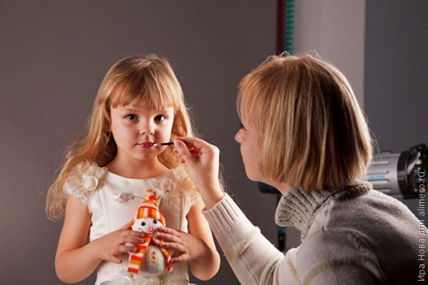 Дешева косметика: чим вона загрожує вашому організму
