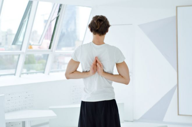 Три вправи для стрункості при сидячому способі життя