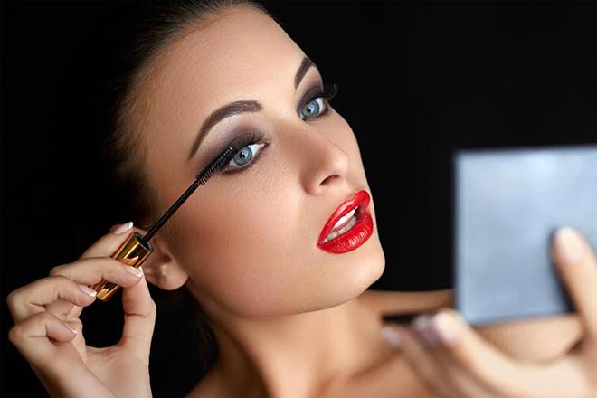 3 жахливі помилки у макіяжі, які ти постійно робиш