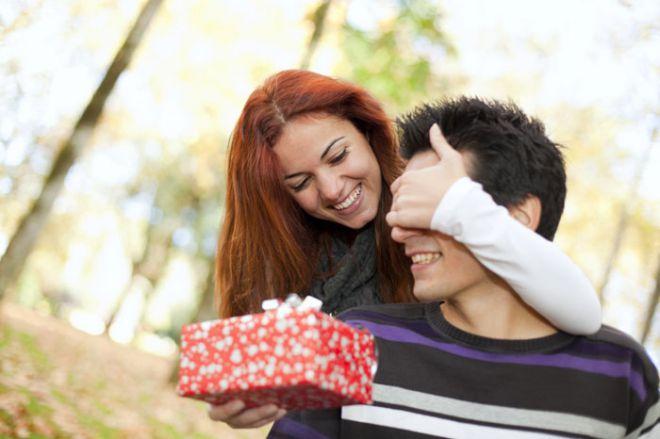 Як правильно вибрати подарунок для своєї другої половинки