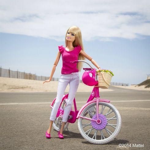 У куклы Барби есть свой Инстаграм