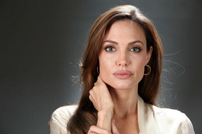 Анджеліна Джолі нарешті прокоментувала розлучення з Бредом Пітом