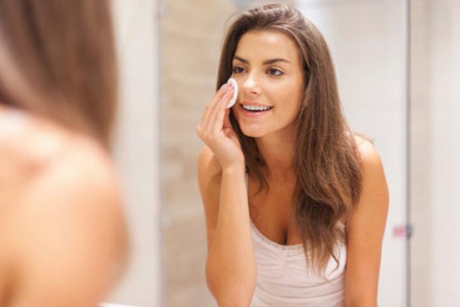 Чим змивати макіяж: поради експертів