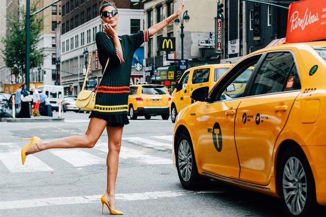 Вулична мода Нью-Йорку: яскраві кольори та цікаві фактури [ФОТО]