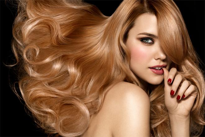 Як укласти волосся звечора, щоб прокинутись з ідеальною зачіскою?