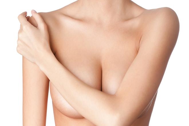 Пружні груди: 4 ефективні вправи
