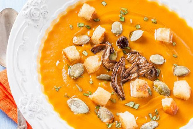 Тематичний рецепт: суп-пюре з гарбузом та грибами