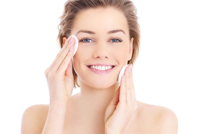 Просто красуня: 4 поради, щоб добре виглядати без макіяжу