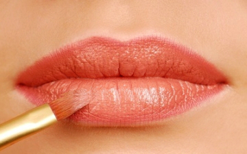 Стойкий макияж губ