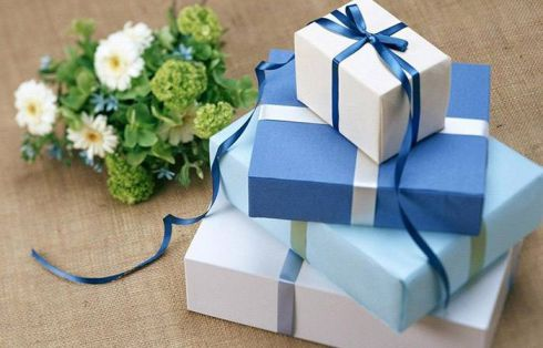 7 даремних весільних подарунків